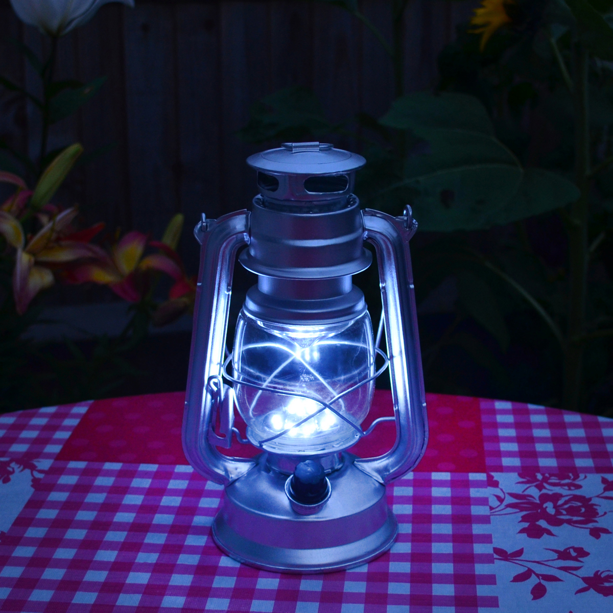 Amtech S8010 15 LED Hurricane Lamp